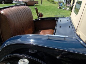 800px-1931_Ford_Model_A_roadster_rumble_seat